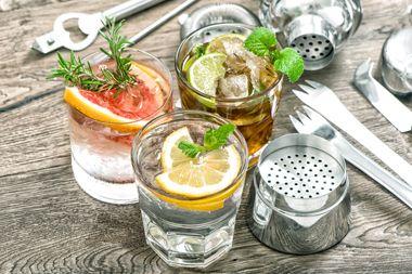 Hausbar Klassiker - mit einer Handvoll Zutaten zum perfekten Drink